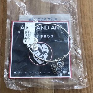 NWT Silver Alex And Ani frog bracelet